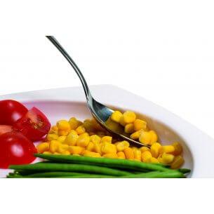 Tallriken med hög kant, gör det möjligt att äta med en hand, praktisk för t ex äldre