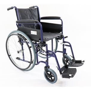 Rullstolen har de mest nödvändiga funktioner och är lätt att använda.