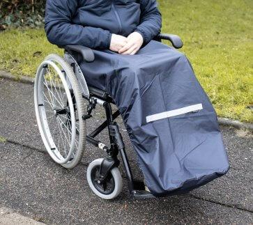 Regnskydd till rullstolsanvändare