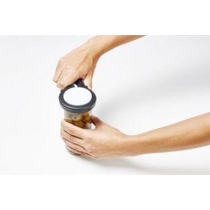 Praktiskt hjälpmedel till att öppna glas och annat emballage, gör det möjligt att använda hela handen